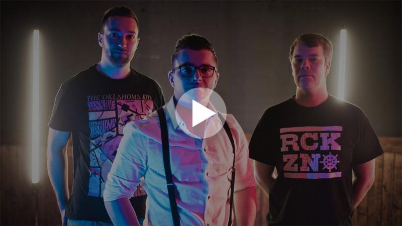 Referenz-Riot-Teddy Vorschaubild